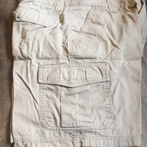 Croft and Barrow cargo short